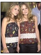 Austin Powers in Goldmember Premiere: Mary Kate and Ashley Olsen