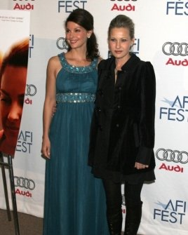 Ashley Judd and Joey Lauren Adams