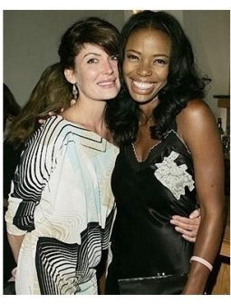 Four Inches Photos: Lara Flynn Boyle and Jill Marie Jones