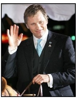 "Viggo Mortensen at the ""Hidalgo"" premiere"