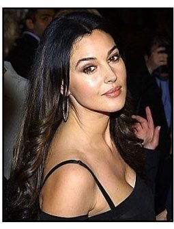 """ONE TIME USE ONLY """"Tears of the Sun"""" Premiere Photo: Monica Bellucci"""