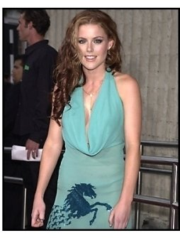 Kathleen Robertson at the Scary Movie 2 premiere