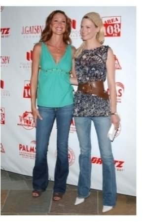 Shannon Elizabeth and January Jones
