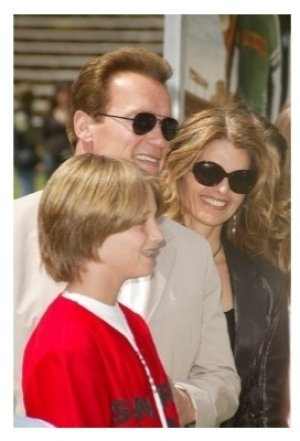 Arnold Schwarzenegger and Maria Shriver with family
