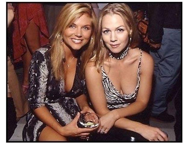 Tiffani Thiessen and Jennie Garth at the 2000 Pre-Emmy Bash