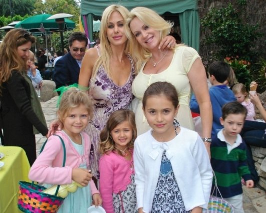 Shauna Sand and children with Barbara Moore