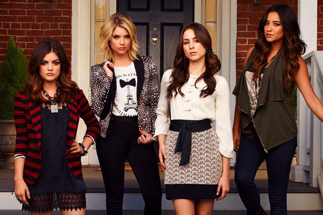 Pretty Little Liars, Shay Mitchell, Ashley Benson, Troian Bellisario, Lucy Hale
